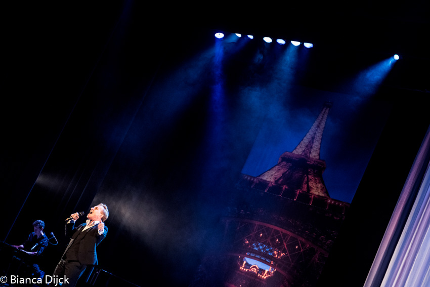 Vive la france 2 in premi re in theater de meerse in for Hoofddorp theater