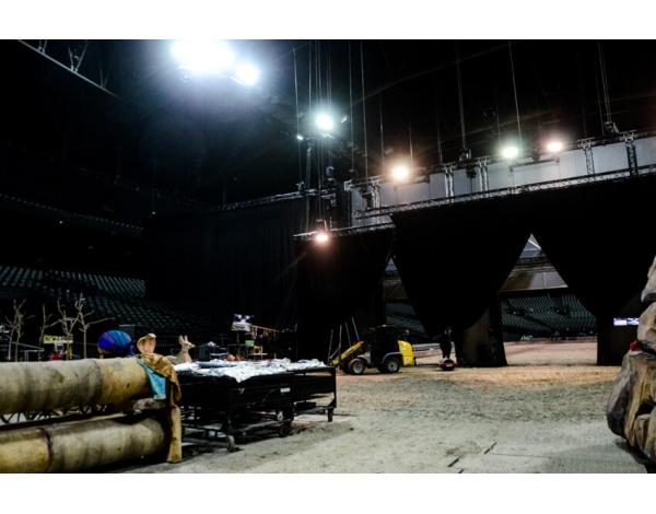Cavalluna_back-stage-1006