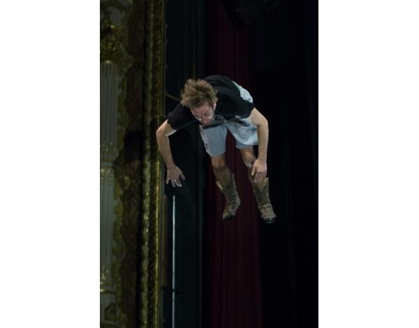 Cirque-Eloize-Saloon-Foto_Andy_Doornhein-0436