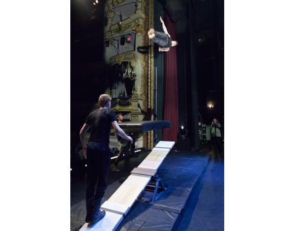 Cirque-Eloize-Saloon-Foto_Andy_Doornhein-3777