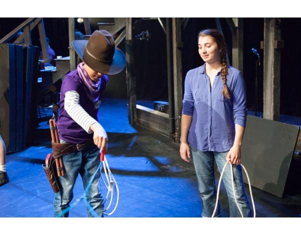 Cirque-Eloize-Saloon-Foto_Andy_Doornhein-3828