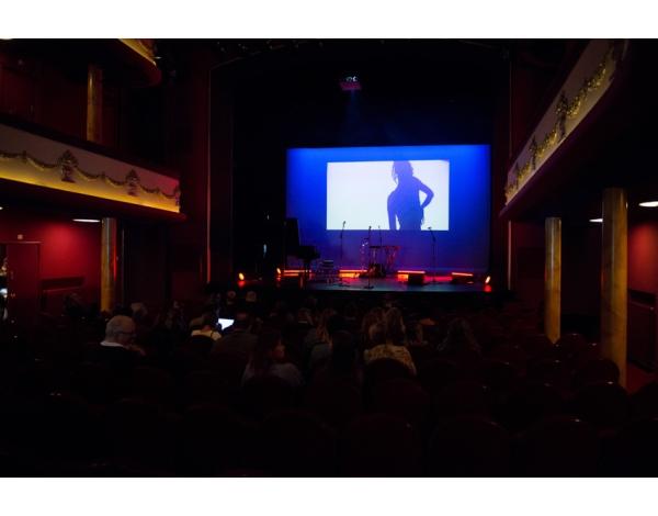 Perpresentatie_TheaterTour_Lakshmi_Amsterdam_16-05-2018l_Gwendolyne-1914