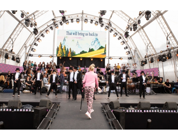 Musical-sing-a-long-uitmarkt-2018-repetities_foto-Andy-Doornhein-1078