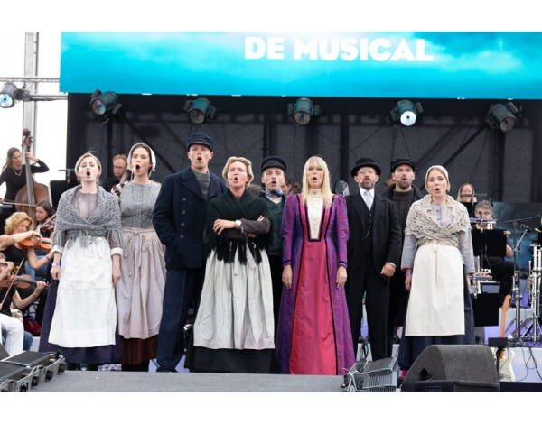 Musical-sing-a-long-uitmarkt-2018-repetities_foto-Andy-Doornhein-1120