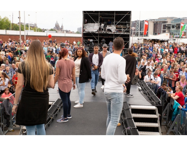 Musical-sing-a-long-uitmarkt-2018-repetities_foto-Andy-Doornhein-1184
