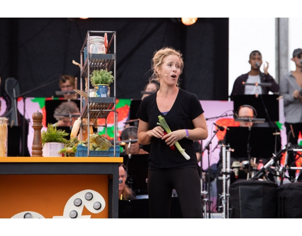 Musical-sing-a-long-uitmarkt-2018-repetities_foto-Andy-Doornhein-1200