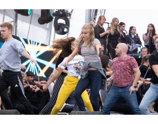 Musical-sing-a-long-uitmarkt-2018-repetities_foto-Andy-Doornhein-1256