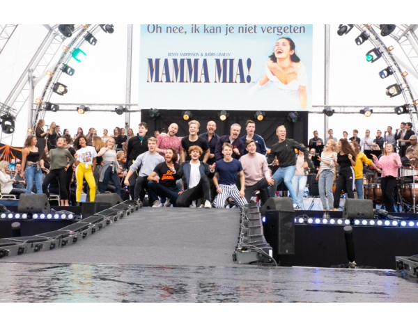 Musical-sing-a-long-uitmarkt-2018-repetities_foto-Andy-Doornhein-1258