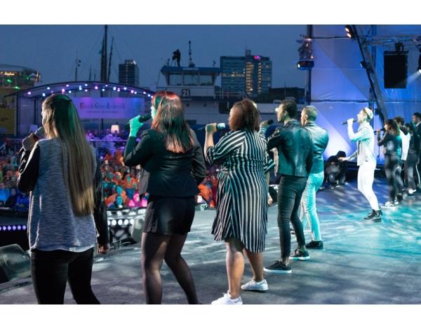 Musical-sing-a-long-uitmarkt-2018-uitzending_foto-Andy-Doornhein-1030
